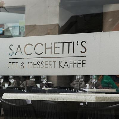 Sacchetii's eet & dessert kaffee
