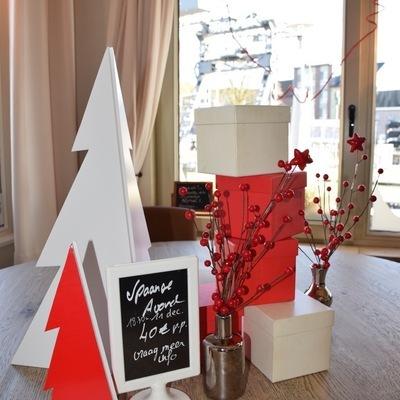 Sacchetti's - Christmas Theme